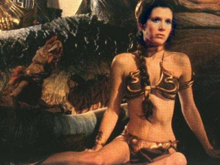princess_leia_gold_bikini_from_star_wars_return_of_the_jedi4-700x525